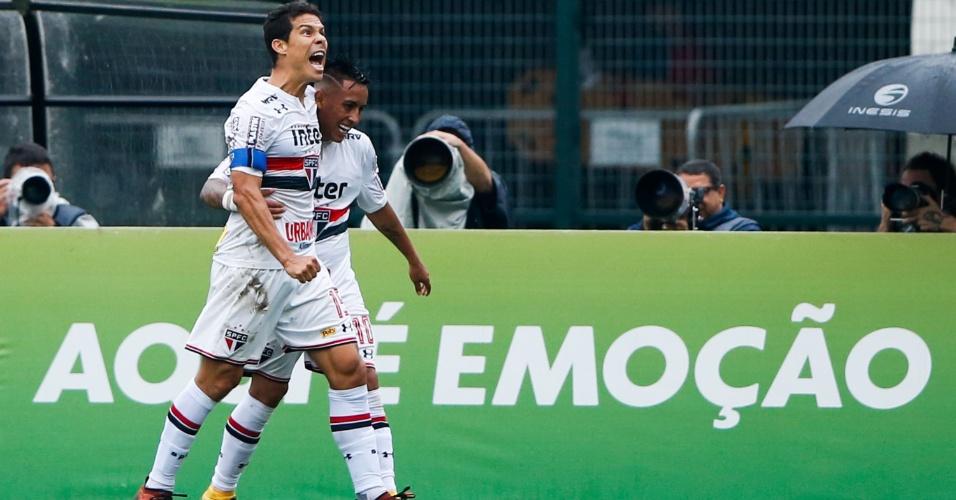 Hernanes comemora após marcar pelo São Paulo contra o Flamengo