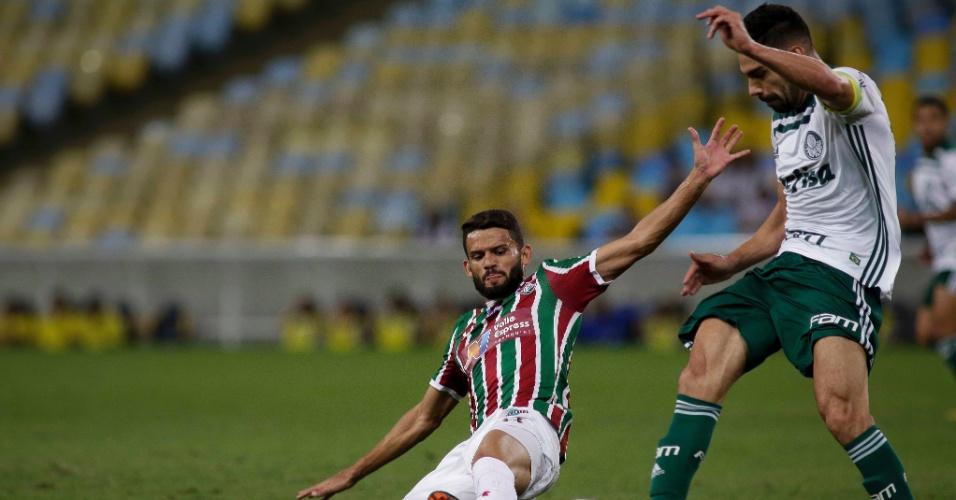 Jadson faz a marcação em Bruno Henrique no jogo entre Fluminense e Palmeiras