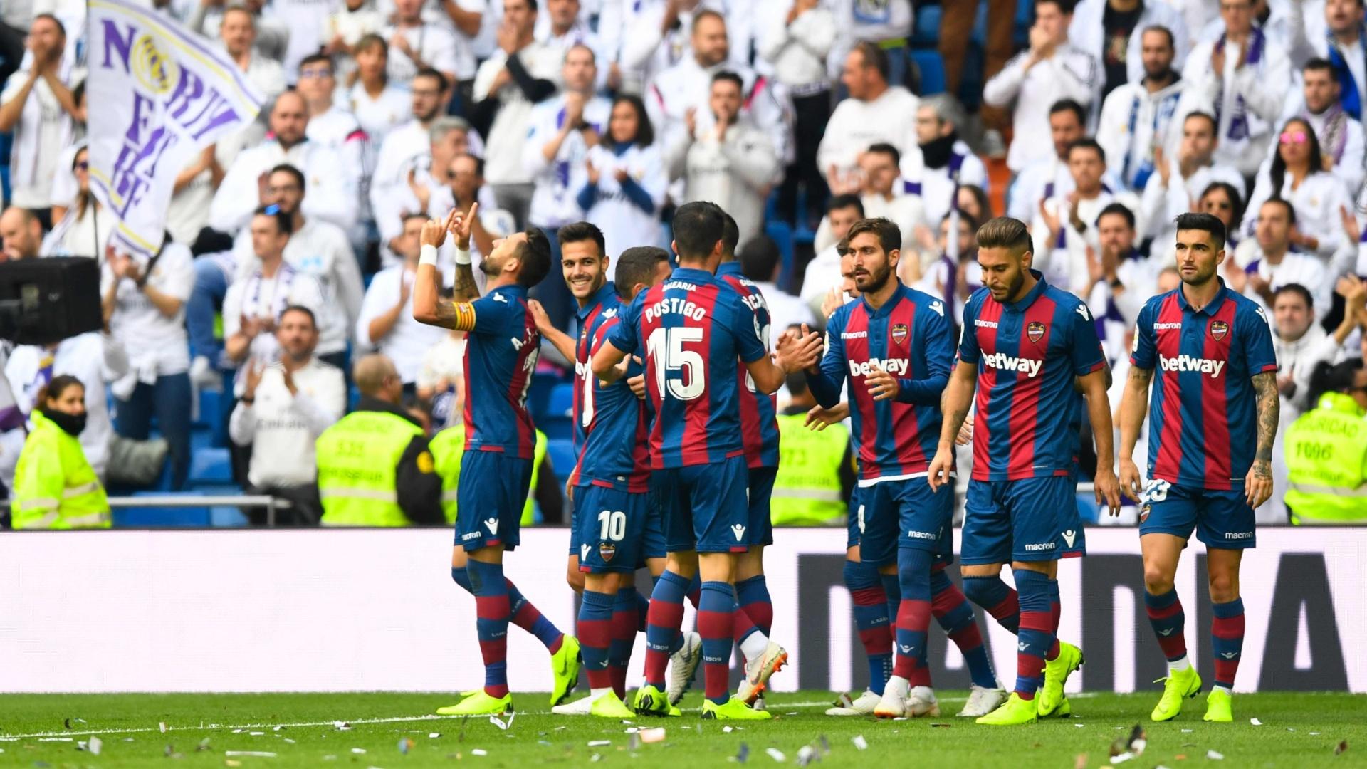 Morales comemora seu gol em Real Madrid x Levante, neste sábado