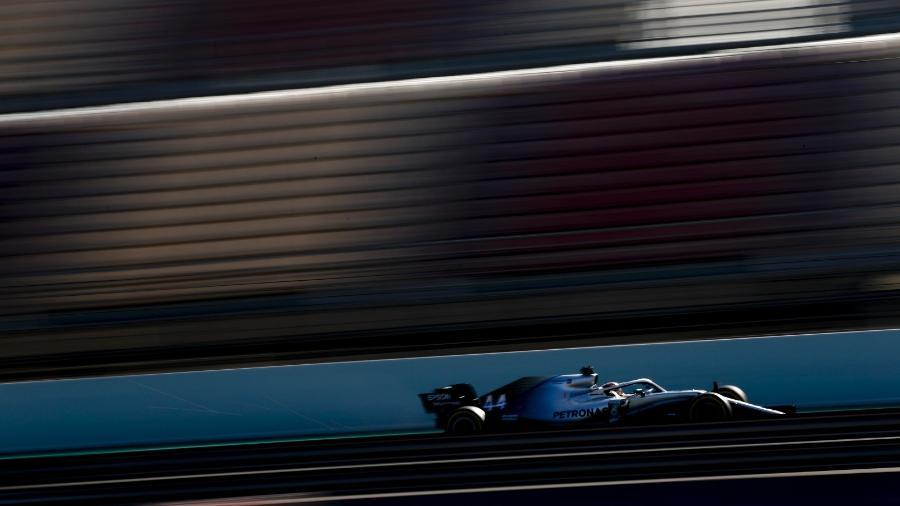 Lewis Hamilton durante os testes da pré-temporada - Divulgação Mercedes/Wolfgang Wilhelm