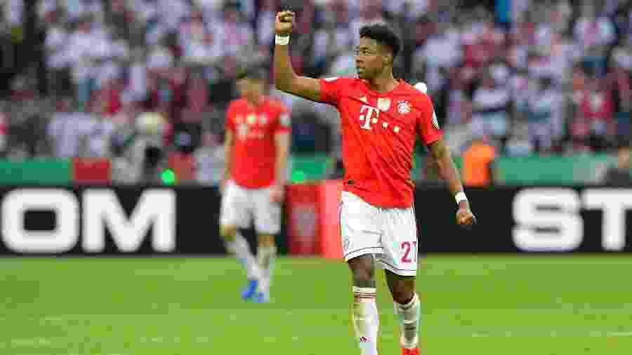 Alaba negocia renovação, mas tem futuro incerto no Bayern de Munique - TOBIAS SCHWARZ/AFP