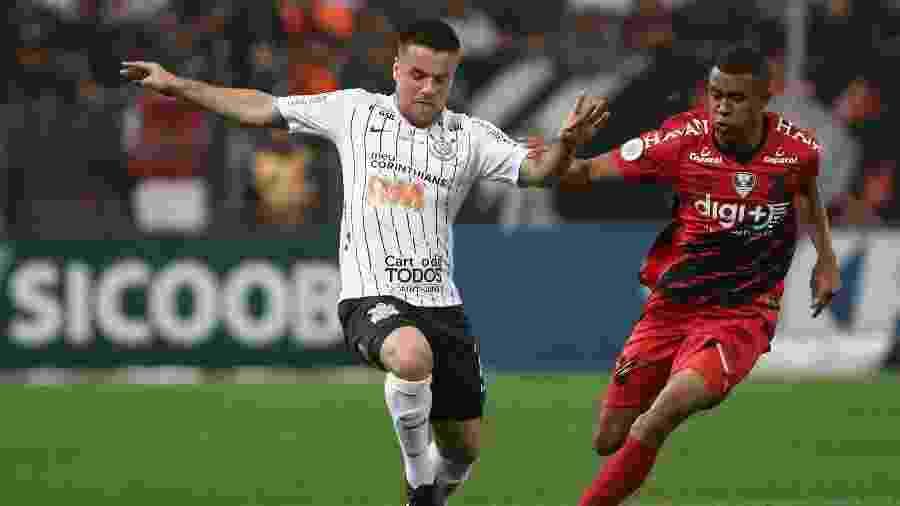 Titular contra o Athletico-PR, Ramiro pode perder posição ou ser deslocado na partida contra o São Paulo - Marcello Zambrana/AGIF