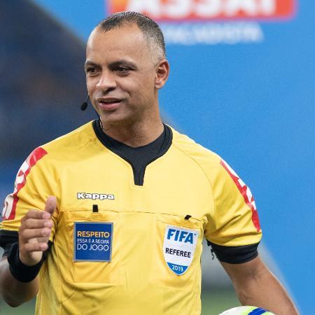 Wilton Pereira Sampaio será o árbitro principal do 1º jogo da decisão - Alessandra Torres/AGIF