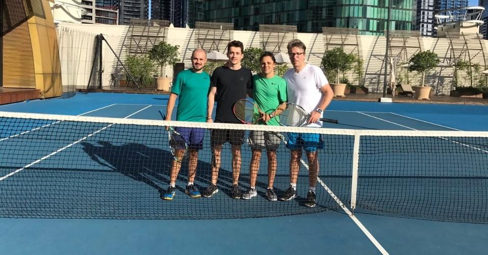 Felipe Massa joga tênis