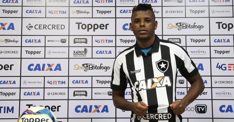 Marcos Vinícius é o novo reforço do Botafogo após troca de Sassá por Cruzeiro
