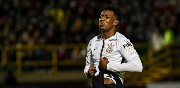 Moisés e estafe dificultaram transferência do Corinthians para o Bahia
