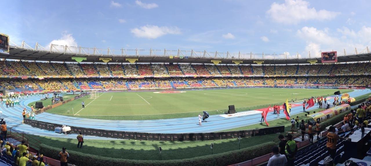 Estádio de Barranquilla começa a encher antes da partida entre Colômbia e Brasil