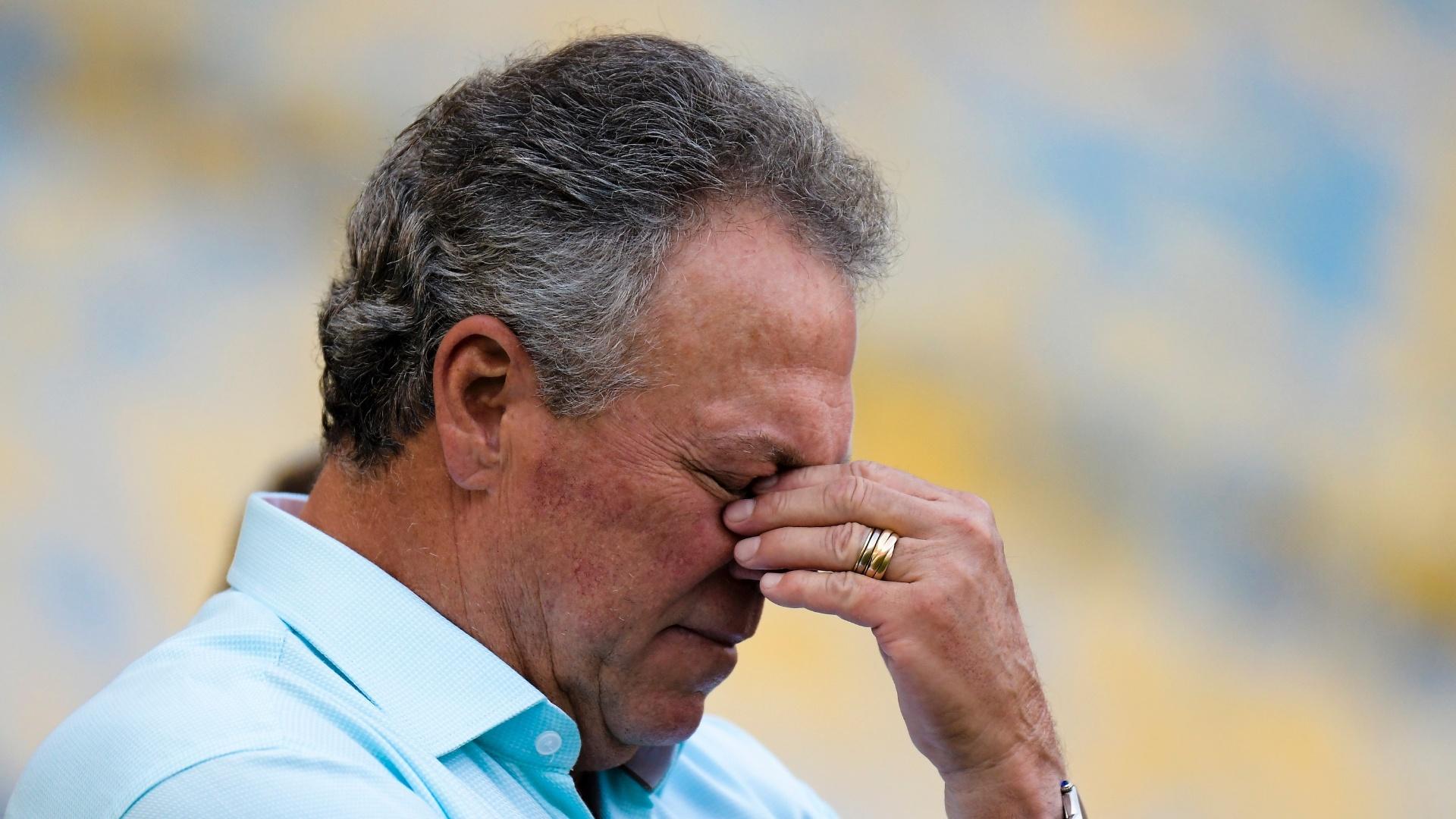 Abel Braga acompanha jogo do Fluminense contra o Flamengo