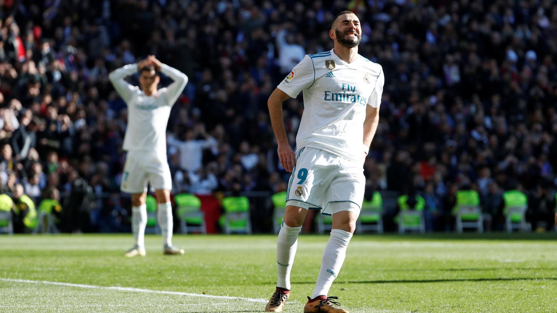 Benzema lamenta após perder gol no clássico entre Real Madrid e Barcelona