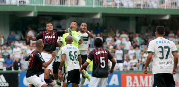 Atlético e Coritiba tem destinos cruzados, uma vez mais