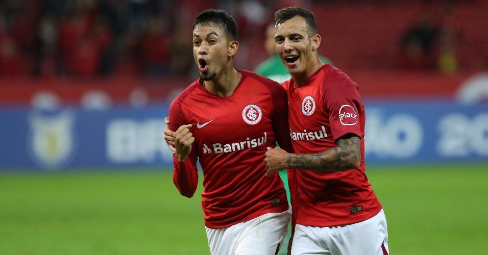 Lucca comemora gol do Internacional sobre a Chapecoense