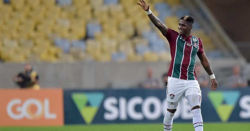 Yony Gonzalez comemora seu gol para o Fluminense durante partida contra o Sao Paulo pelo Campeonato Brasileiro