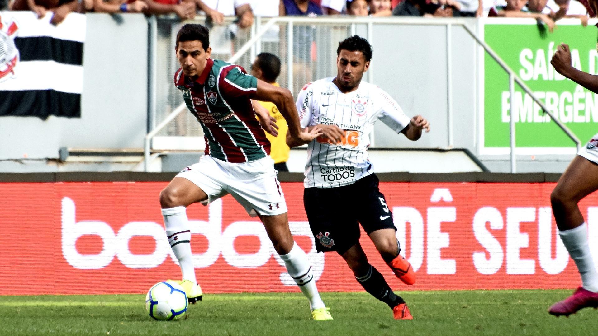 Ganso, durante partida entre Fluminense e Corinthians