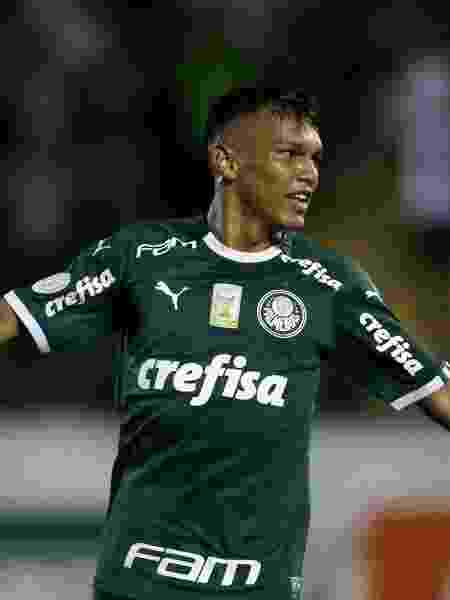 Em seu quinto jogo no profissional, Verón é titular pela primeira vez no clássico - Cesar Greco/Palmeiras