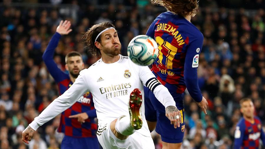Barcelona e Real Madrid brigam pelo título do Campeonato Espanhol; torneio será exibido em asilos - Juan Medina/Reuters