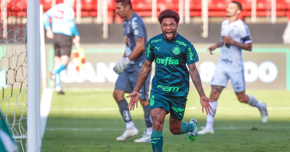 Luiz Adriano comemora gol do Palmeiras contra o Santos pelo Brasileirão 2020