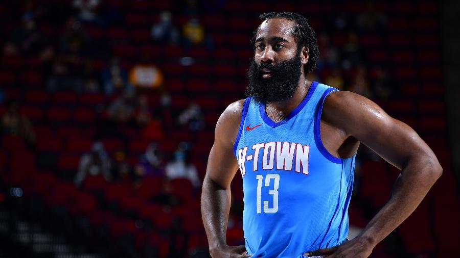 James Harden criticou o Houston Rockets após derrota contra o Los Angeles Lakers - Cato Cataldo/NBAE via Getty Images
