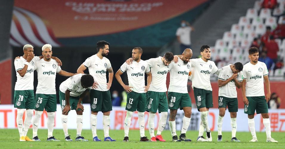 Jogadores do Palmeiras, antes da disputa de pênalti contra o Al Ahly