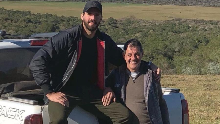 Em 2019, Alisson homenageou José Becker no dia dos pais - Reprodução/Instagram Alisson