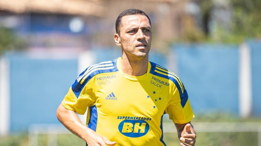 Volante Rômulo viajará em missão particular à Itália e voltará ao Brasil na próxima semana  - Igor Sales /Cruzeiro