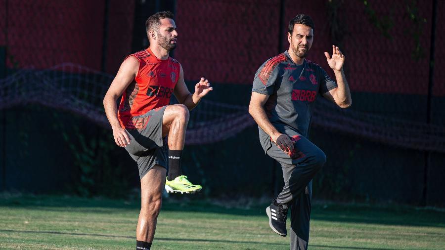 Thiago Maia faz trabalho de recuperação no Ninho do Urubu, CT do Flamengo - Alexandre Vidal/Flamengo