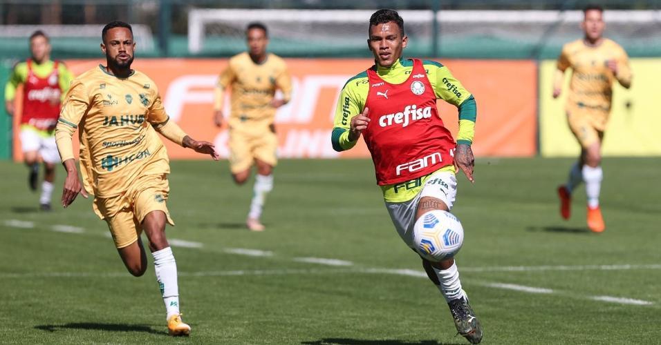 Gabriel Veron em jogo-treino contra XV de Piracicaba