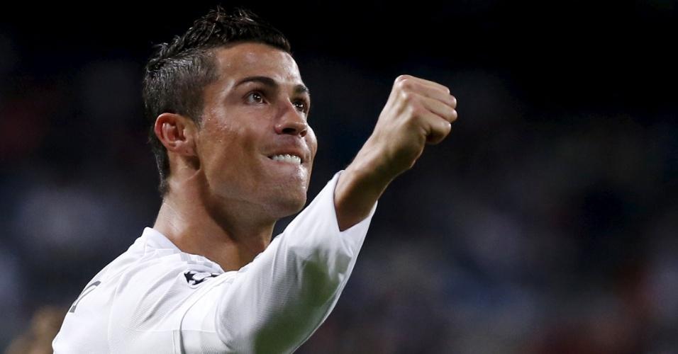 Cristiano Ronaldo marcou três vezes para o Real Madrid contra o Shakhtar na vitória dos espanhois por 4x0