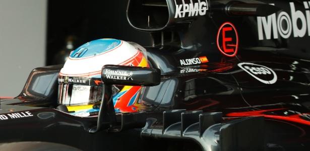 Espanhol fica na McLaren até o fim de 2016; Mercedes e Renault podem ser destino - Sergio Perez/Reuters