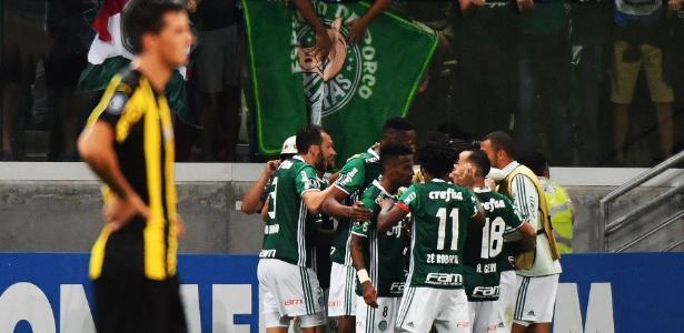 Palmeiras achou o gol aos 54min do segundo tempo e venceu a segunda na Libertadores