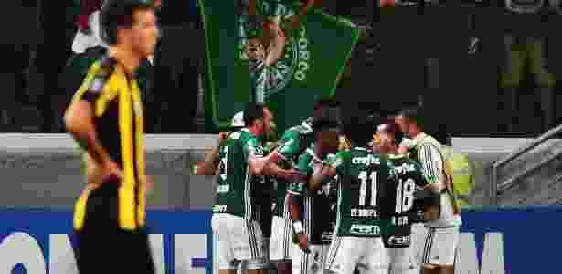 Vitória contra o Peñarol veio nos acréscimos  - Nelson Almeida/AFP