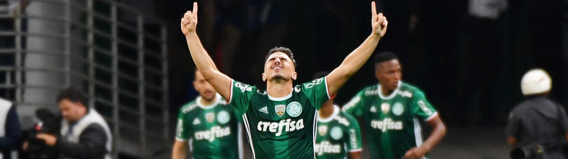 Willian comemora gol do Palmeiras contra o Peñarol na Libertadores