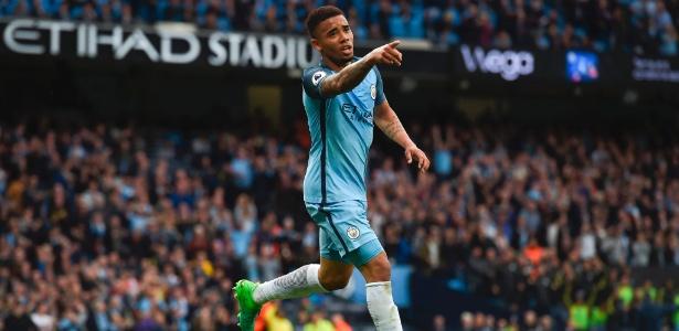 Gabriel Jesus comemora gol do Manchester City contra o West Brom