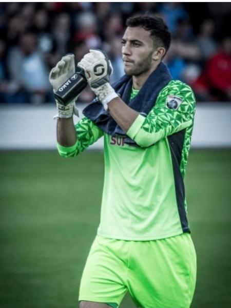 Max Crocombe, goleiro do Salford City, pediu desculpas após confusão - Reprodução/Instagram