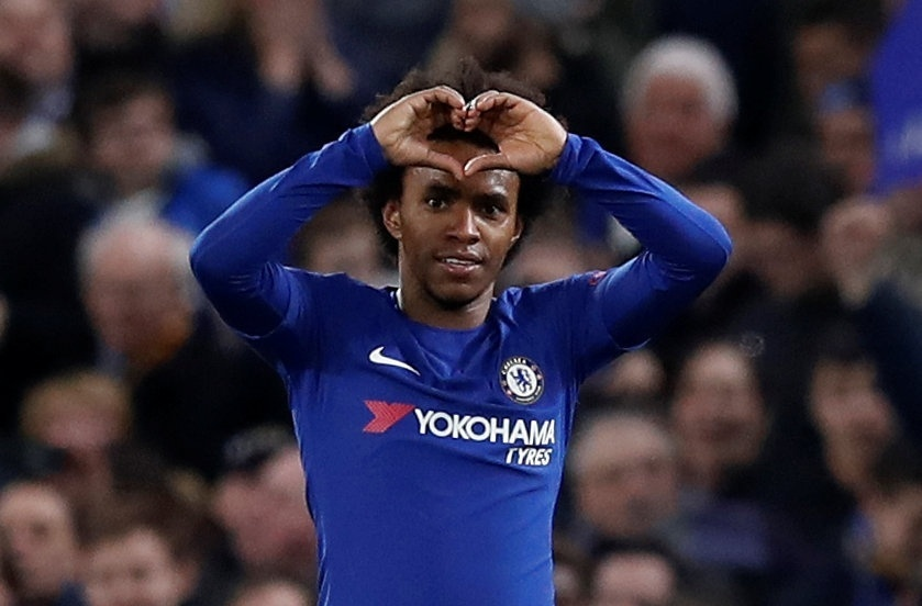 Willian comemora gol do Chelsea contra o Barcelona