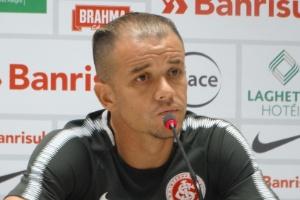 D'Alessandro defende o grupo, apela ao torcedor e lembra histórico do Inter (Foto: Marinho Saldanha/UOL)