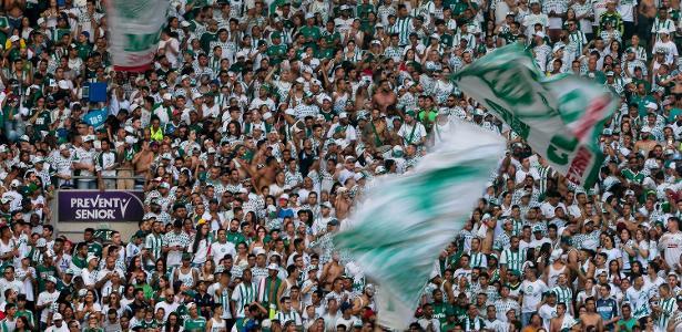 Torcida do Palmeiras durante treino aberto no Allianz Parque - Ale Cabral/AGIF