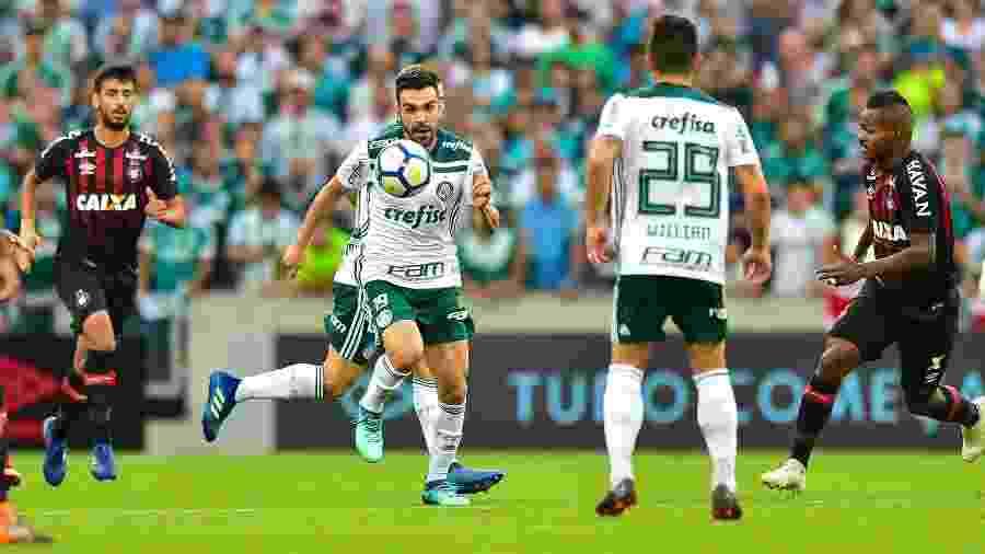 No ano passado, Palmeiras fez 3 a 1 sobre o Athletico em Curitiba; Bruno Henrique marcou - Jason Silva/AGIF