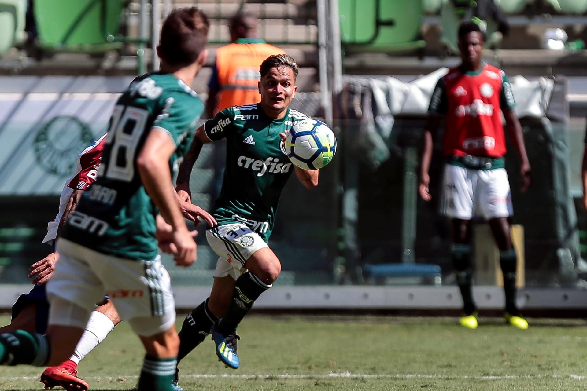Palmeiras encaminha empréstimo de atacante Artur ao Bahia por um ano -  28 12 2018 - UOL Esporte 56a4866c2a517