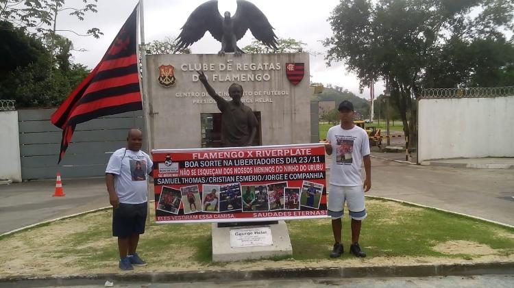 Familiares de Samuel Thomas foram ao CT do Flamengo para manifestação - Arquivo Pessoal