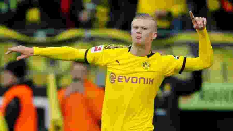 Haaland comemora um de seus nove gols com a camisa do Borussia Dortmund - Leon Kuegeler/Reuters