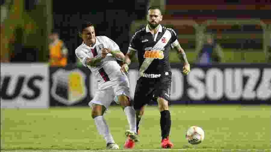 Vasco e Resende em disputa no estádio Raulino de Oliveira, em Volta Redonda (RJ) - Rafael Ribeiro / Vasco