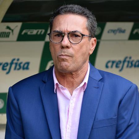 Vanderlei Luxemburgo antes de partida entre Palmeiras e Ferroviária, em março de 2020 - Bruno Ulivieri/AGIF