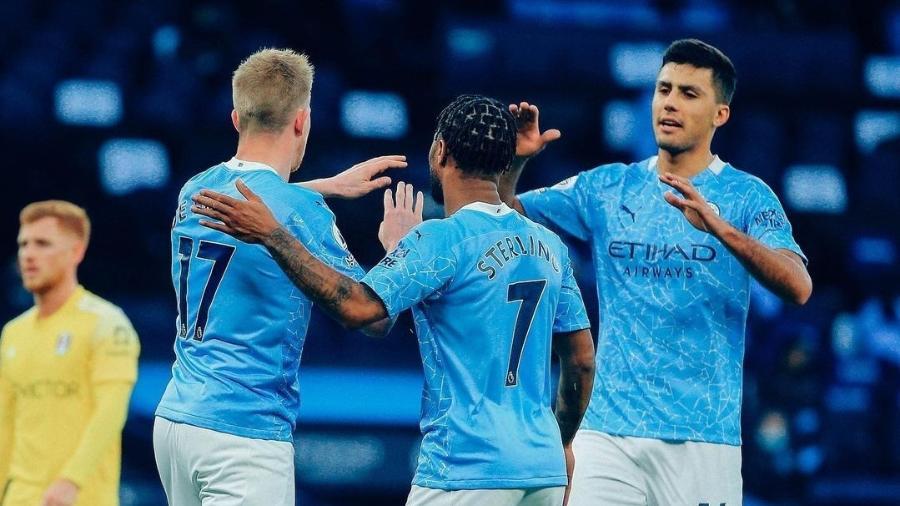 Jogadores do Manchester City comemoram gol marcado contra o Fulham, em duelo do Campeonato Inglês - Reprodução/Instagram