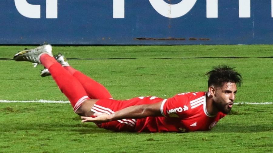 Yuri Alberto comemora um de seus gols pelo Internacional contra o São Paulo - Marcello Zambrana/AGIF