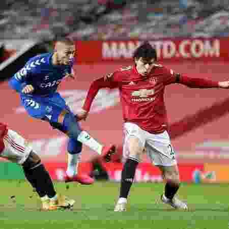 Richarlison tenta marcar na partida entre Everton e Manchester United - Alex Pantling / POOL / AFP - Alex Pantling / POOL / AFP