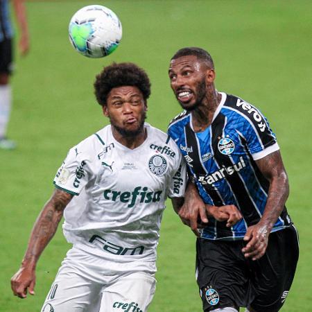 Luiz Adriano e Paulo Miranda duelam na final  - Fernando Alves/AGIF