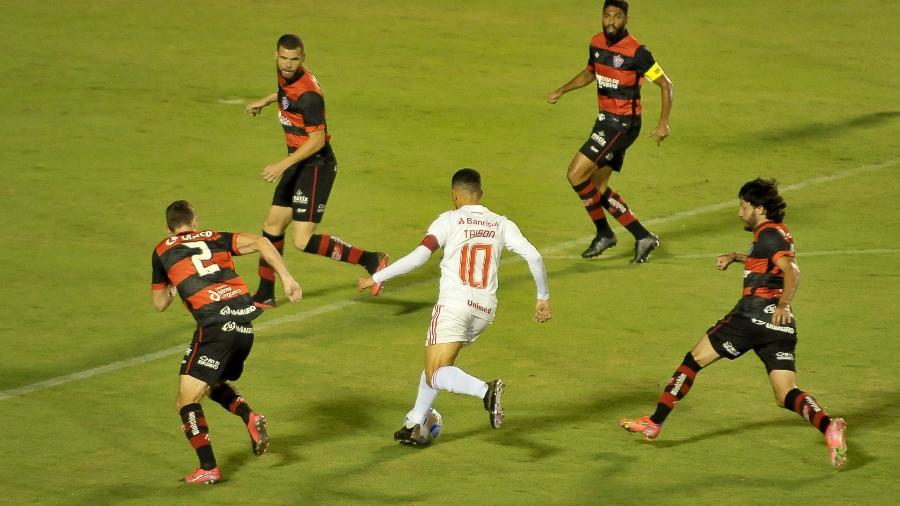 Inter e Vitória voltam a se enfrentar pela Copa do Brasil em duelo decisivo - Jhony Pinho/AGIF