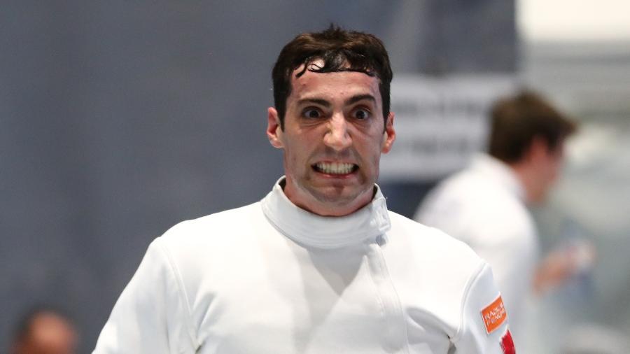 O esgrimista americano, Alen Hadzic, durante campeonato no Canadá - Devin Manky/Getty Images