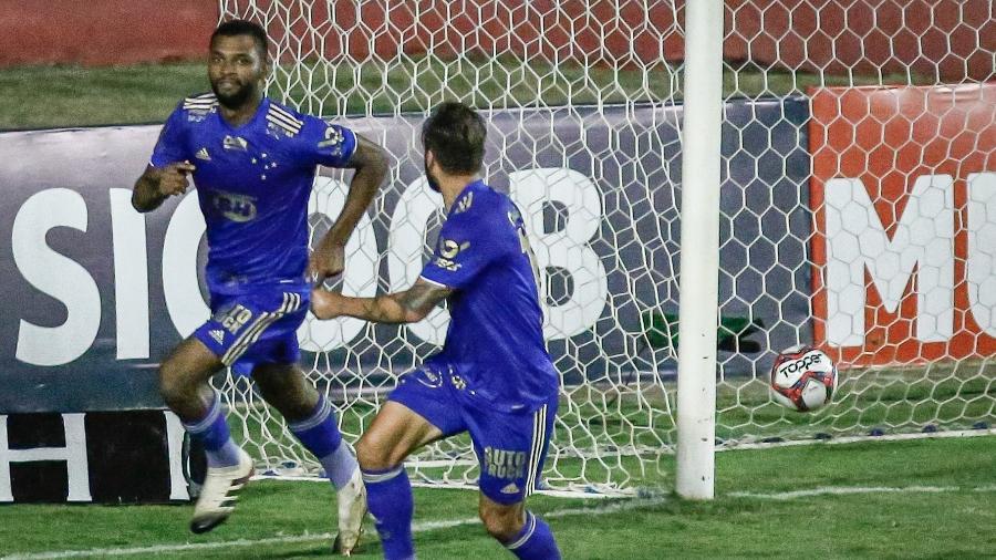 Thiago começa como titular e tem mais uma chance com o técnico Vanderlei Luxemburgo - Paulo Paiva/AGIF