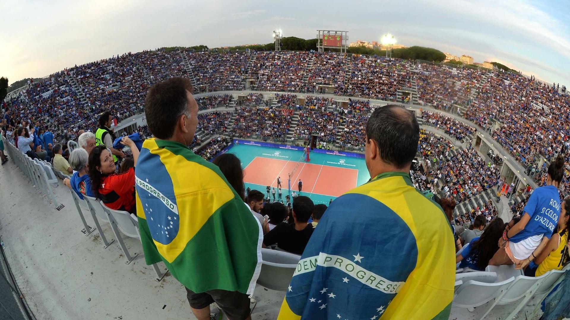 Torcida brasileira também marcou presença em Roma nesta sexta-feira